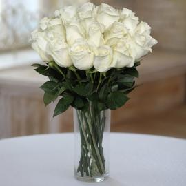 Букет из 25 элитных белых роз