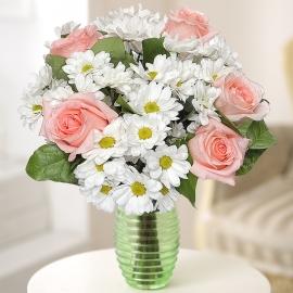 Букет из хризантемы и розы