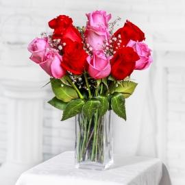 Букет из 11 красных и розовых роз
